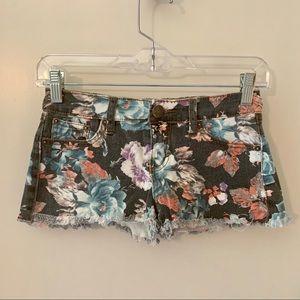 Vintage Havana Floral shorts size 14